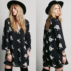 ✨ Free People Embroidered Austin Dress ✨